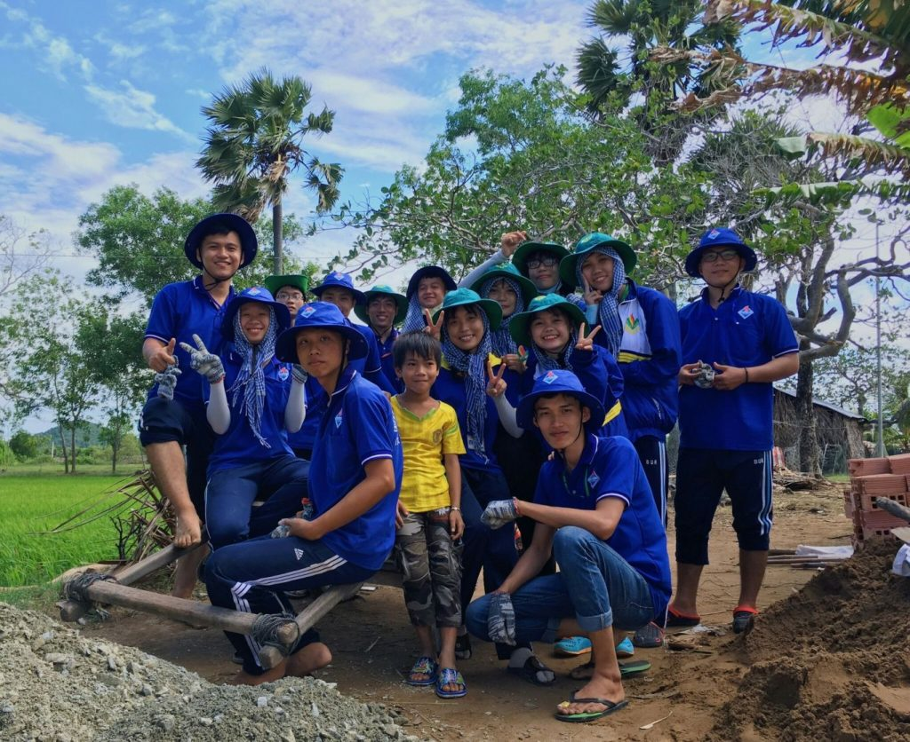 ĐH Ngân hàng TP.HCM: Biệt đội thợ xây Mùa hè xanh và ngôi nhà tình nghĩa