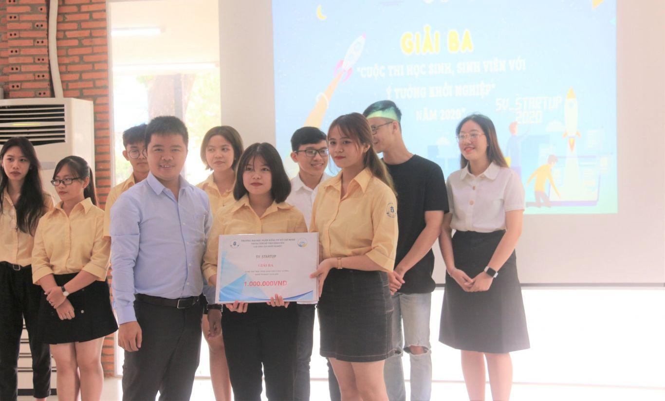Dự án WEB FOOD TRADE đạt Giải Ba Cuộc thi SV_STARTUP 2020 cấp trường.